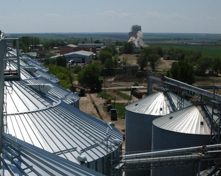 Дефицит мощностей для хранения зерна вэтом сезоне составил 20 млн тонн