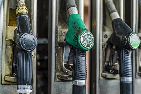 АЗС предупредили о новом скачке цен на топливо