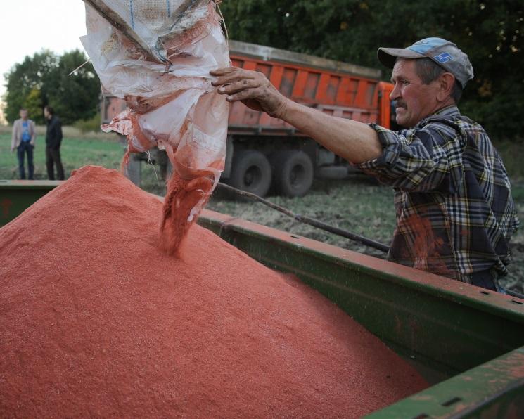 Аграрии на10,7% увеличили закупки минеральных удобрений