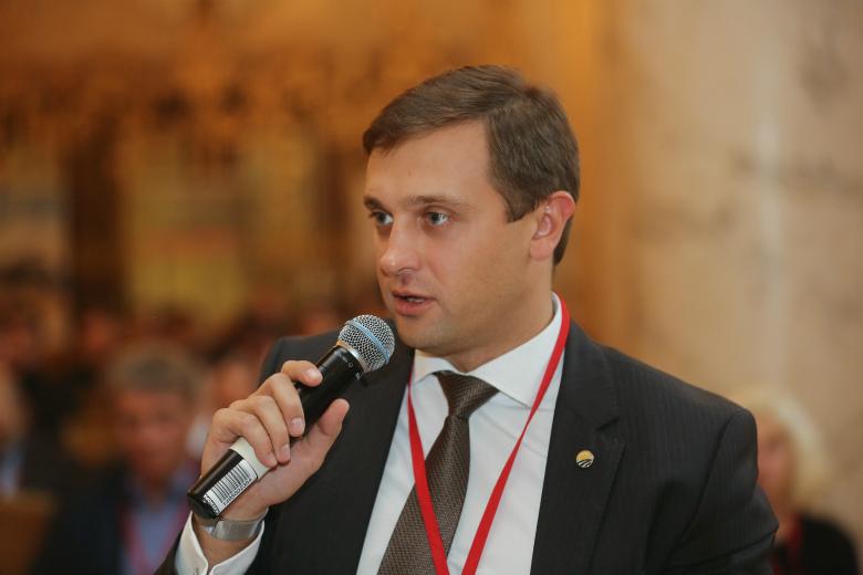 Денис Максимкин