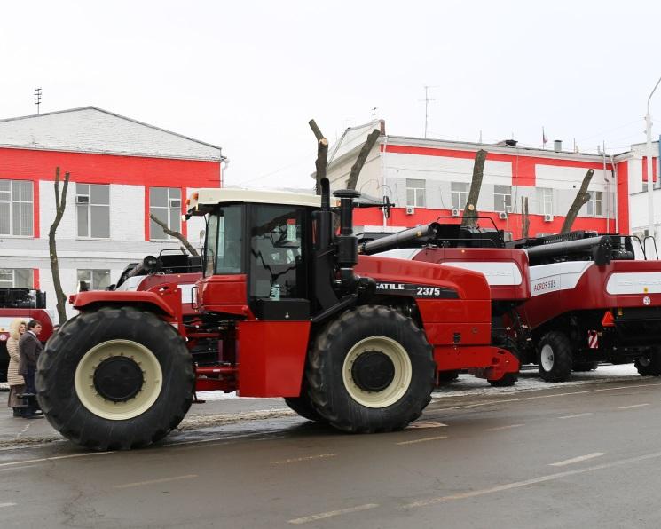 Запущено льготное кредитование насельхозтехнику