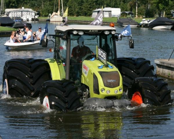 Шины Mitas шагают по воде