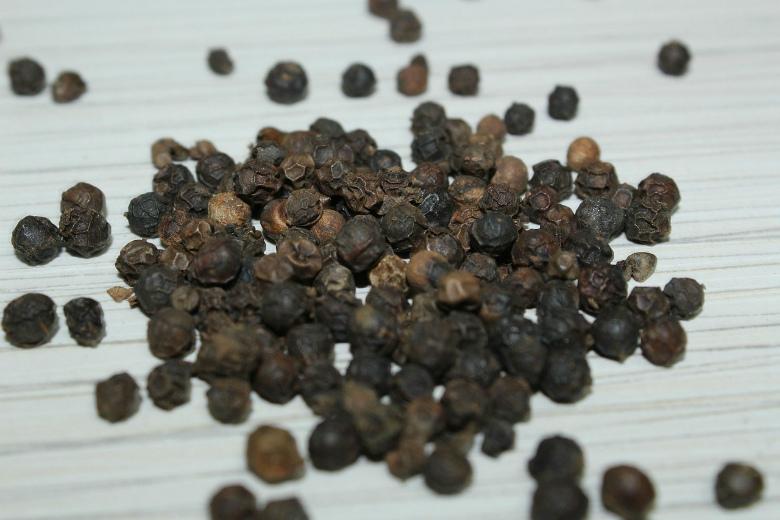 3. Перец черный (горошек)