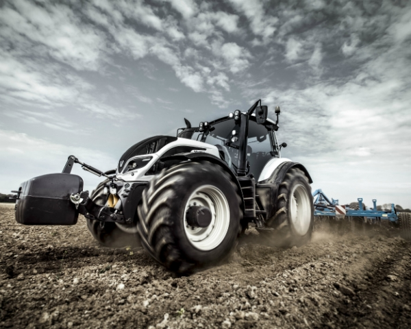 AGCO-RM представляет в России инновационный трактор Valtra T4