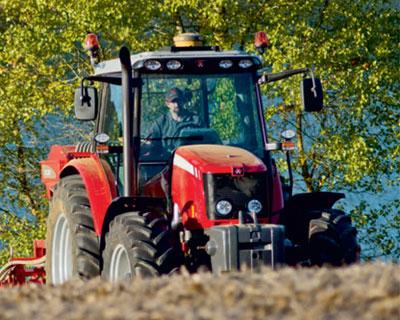 Тракторы в ожидании падения