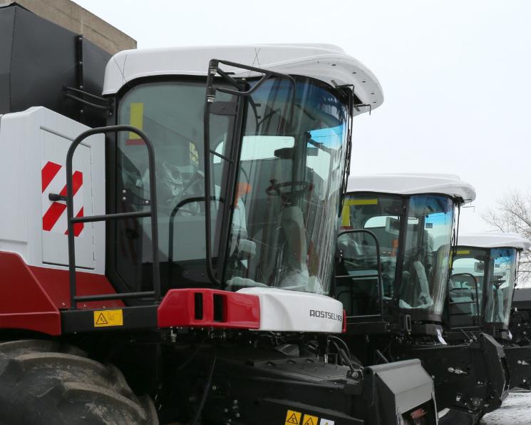 Правительство выделило 2 млрд рублей напокупку сельхозтехники