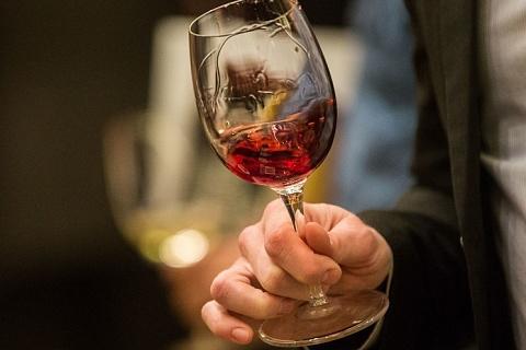 Имидж в бокале вина