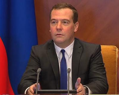 Медведев констатировал готовность российского АПК кпосевной