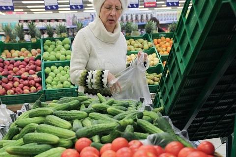 Огурцы и томаты начали сезонно дорожать