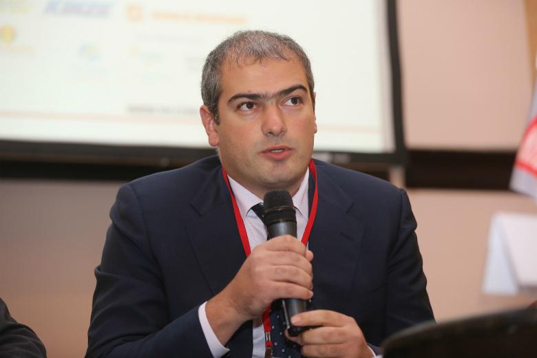Генрих Арутюнов