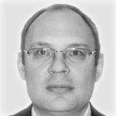Максим Серегин