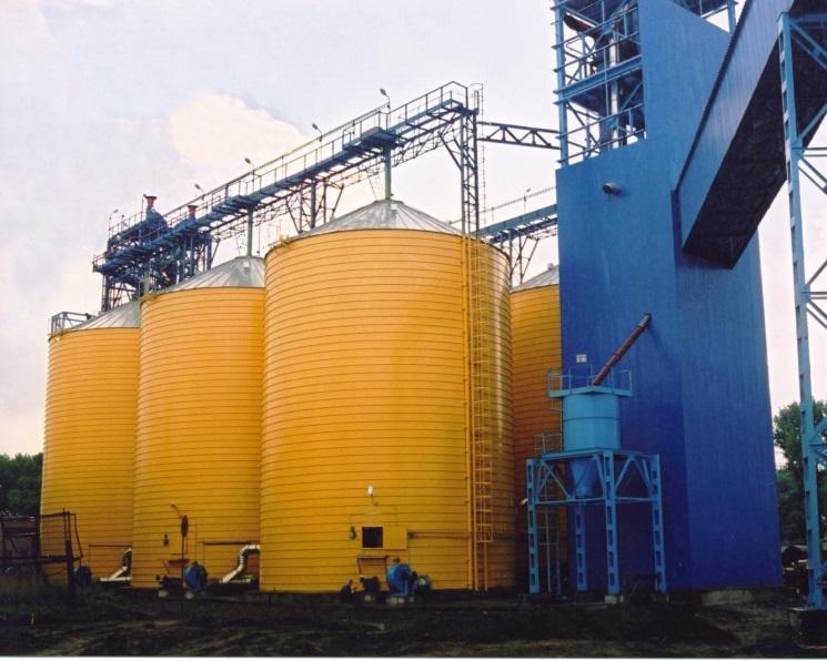 Минсельхоз признал возможный дефицит зернохранилищ вНовосибирской области