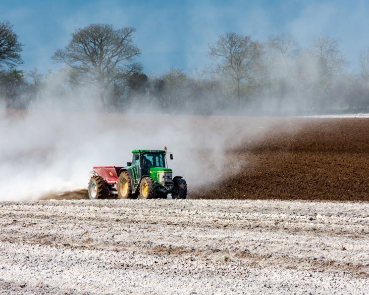 Обеспеченность аграриев тракторами вновь снизилась