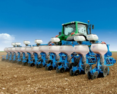 John Deere объявляет оприобретении компании Monosem, европейского лидера попроизводству сеялок точного высева