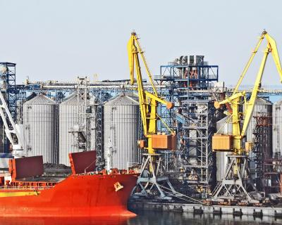 Всезоне-2013/14 Украина поставит наэкспорт 33 млн тзерна
