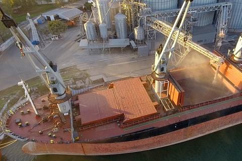 Вывоз зерна приблизился к рекорду. Экспортный потенциал в сезоне-2020/21 был реализован почти полностью