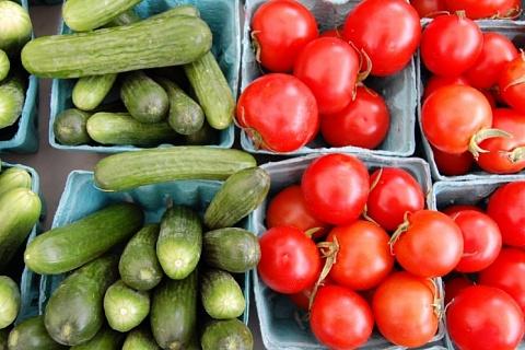 Огурцы и томаты стали лидерами роста цен