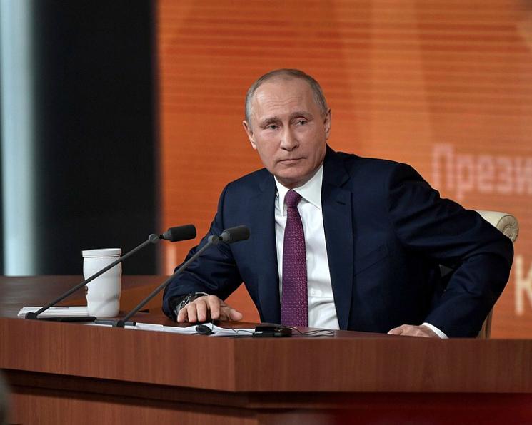 Владимир Путин поздравил аграриев с«шикарными урожаями»