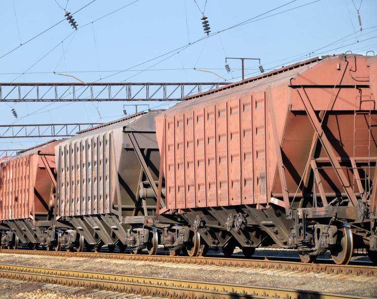 Минсельхоз расширил льготные кредиты на закупку зерна и вагонов