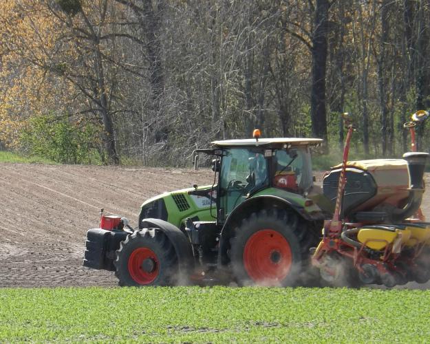 Продажи тракторов вРоссии задевять месяцев этого года сократились на19%